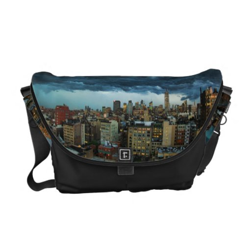 NYC Skyline: Scary massive derecho storm cloud Commuter Bags