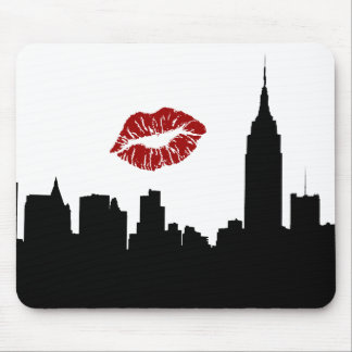 NYC Skyline Silhouette, Empire State Bldg #1 Kiss Mouse Pad