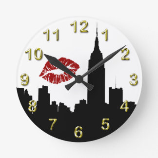 NYC Skyline Silhouette, Empire State Bldg #1 Kiss Round Wall Clock
