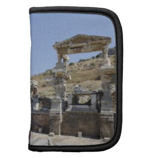 Nymphaeum Traiani estructura antigua de la fuente Organizadores