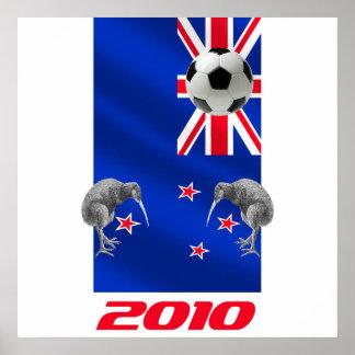 NZ 2010 todos los regalos del fútbol de los blanco Póster