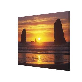O, costa de Oregon, playa del cañón, seastacks en Impresion En Lona