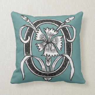 O Initial Cap Decorative Floral Design Vintage Throw Pillow