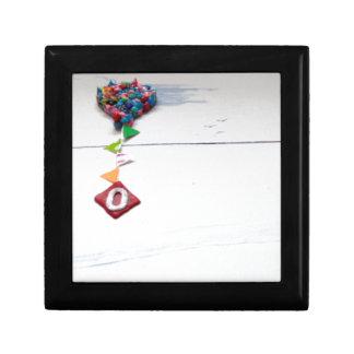 o.jpg gift box