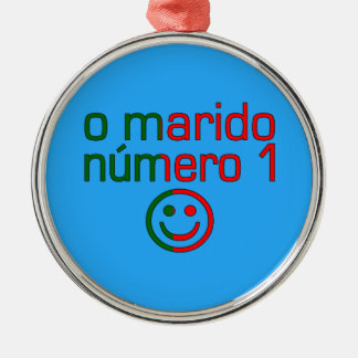 O Marido Número 1 - Number 1 Husband in Portuguese Round Metal Christmas Ornament