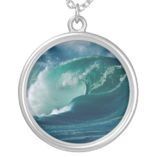 Oahu, Hawaii Round Pendant Necklace