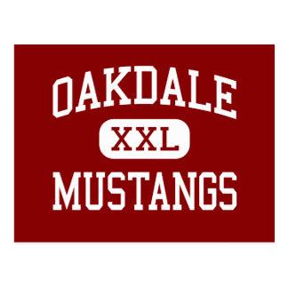 Oakdale - mustangos - alto - Oakdale California Tarjeta Postal