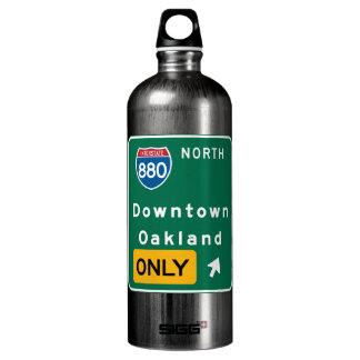Oakland, señal de tráfico de CA