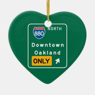 Oakland, señal de tráfico de CA Adorno De Cerámica En Forma De Corazón