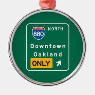 Oakland, señal de tráfico de CA Adorno Redondo Plateado