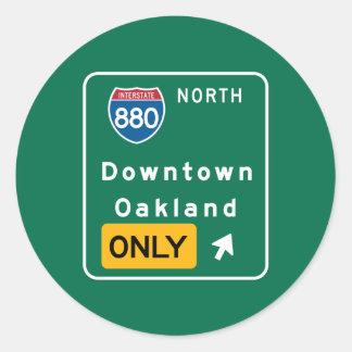 Oakland, señal de tráfico de CA Pegatina Redonda