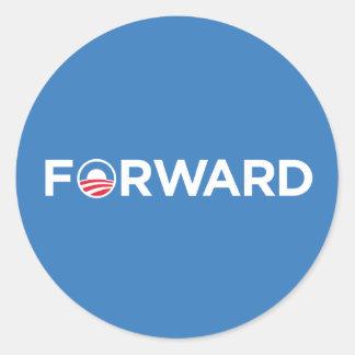 Obama Biden 2012 adelante (blanco en azul claro) Pegatina Redonda