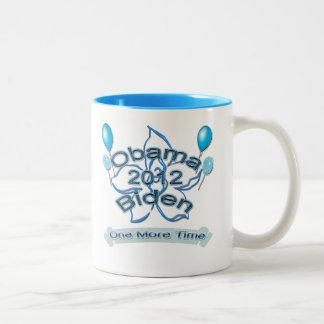 Obama Biden 2012 uno más azul del tiempo Taza De Café