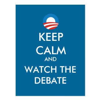 Obama guarda calma y mira la postal del discusión