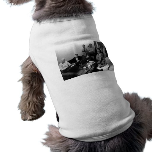 Obama In White House Situation Room Dog Tee Shirt