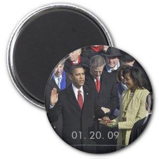 Obama que jura adentro, 01. 20. 09 imán redondo 5 cm