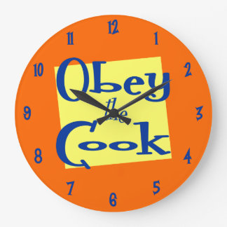Obedezca el reloj retro de la cocina del amarillo