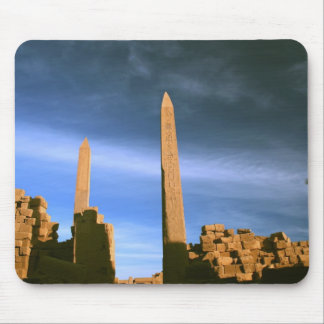 Obeliscos en Luxor Tapetes De Ratones