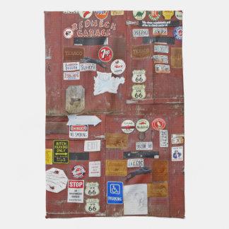 Objetos de recuerdo de la puerta del garaje toallas de mano