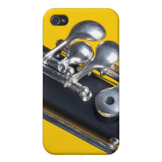 Oboe en fondo amarillo iPhone 4 carcasa