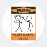 Oboe temperamental amonestador pegatina redonda