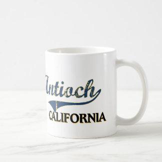 Obra clásica de la ciudad de Antioch California Taza Básica Blanca