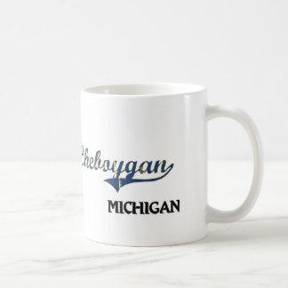 Obra clásica de la ciudad de Cheboygan Michigan Taza Básica Blanca