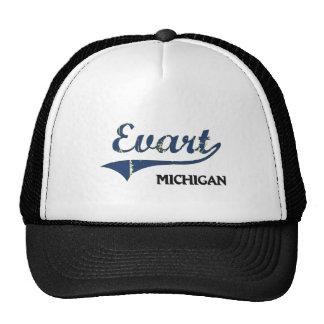 Obra clásica de la ciudad de Evart Michigan Gorras De Camionero