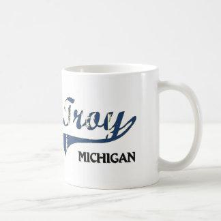 Obra clásica de la ciudad de Troy Michigan Taza Básica Blanca