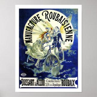Obra maestra de Nouveau del arte: Ciclos del vinta Póster