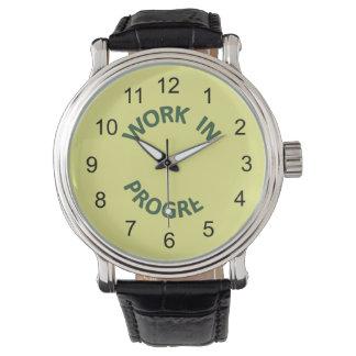 Obras en fase de creación incompletas relojes de pulsera