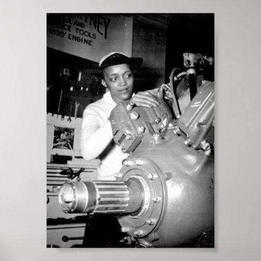 Obrero de la mujer con el motor de avión poster