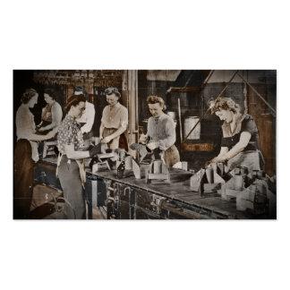 Obreros 1945 de las municiones de la asamblea tarjetas de visita