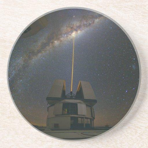 Observación de la vía láctea usando la estrella de posavasos cerveza