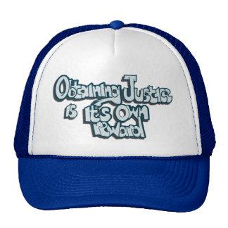 Obtención del gorra del camionero de la justicia
