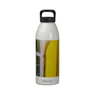 Obturadores amarillos botella de agua reutilizable
