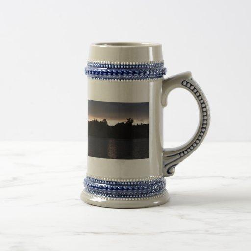 Ocaso sobre el cisne del lago, Georgia Tazas De Café