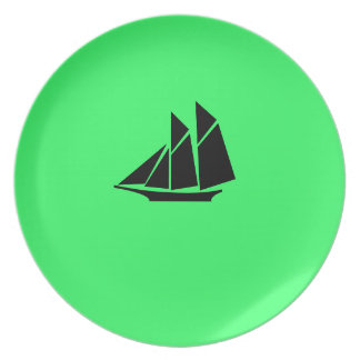 Ocean Glow_Black-on-Green Clipper Ship Dinner Plate