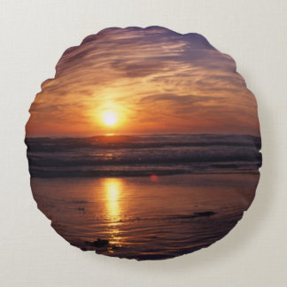 ocean sunset round pillow