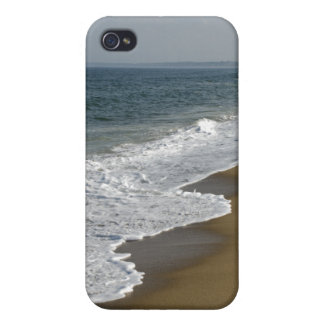 Ocean Waves on the Beach iPhone 4 Cover