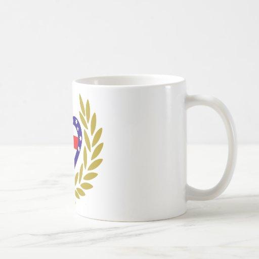 oceania-laurel-heart. taza básica blanca