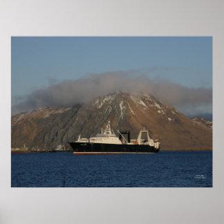 Océano de Alaska, barco rastreador de fábrica en e Posters