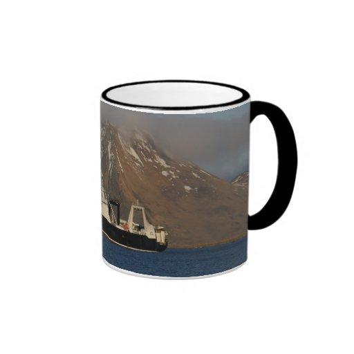 Océano de Alaska, barco rastreador de fábrica en e Taza De Café