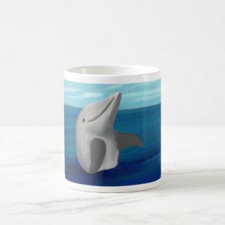 Océano del delfín taza clásica