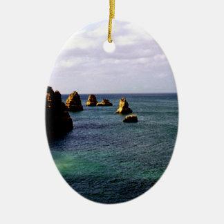 Océano divino de Portugal - trullo y azul Adorno Navideño Ovalado De Cerámica