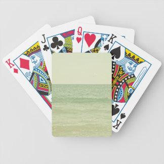 Océano en colores pastel sereno de la verde menta barajas de cartas