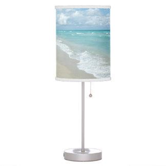Océano extremo de la opinión de la playa de la rel lámpara de escritorio