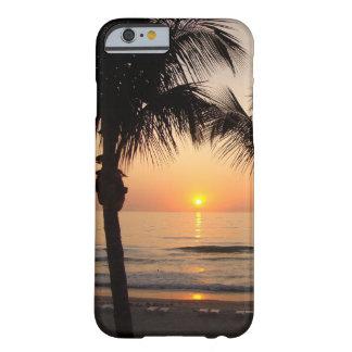Océano P de la puesta del sol de la playa