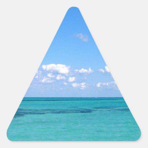 Océano tranquilo del agua pegatina triangular