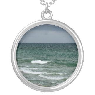 Océano verde tempestuoso de la Florida Collares Personalizados